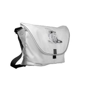Dibujo blanco durmiente de la cabeza del tigre y d bolsas messenger