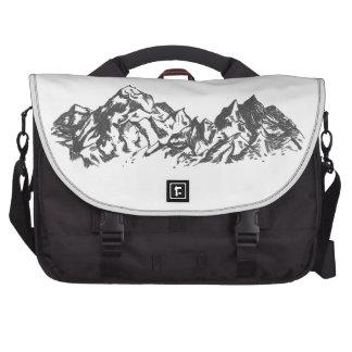 Dibujo de la montaña de la tinta bolsas para portatil