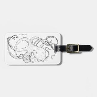 Dibujo de la tinta del pulpo blanco y negro etiquetas para equipaje