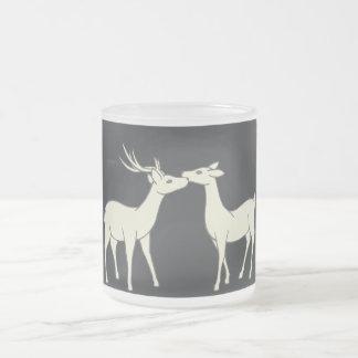 Dibujo de los pares dulces de los ciervos taza de cristal