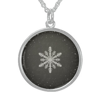 Dibujo de tiza blanco del copo de nieve del collares de plata esterlina