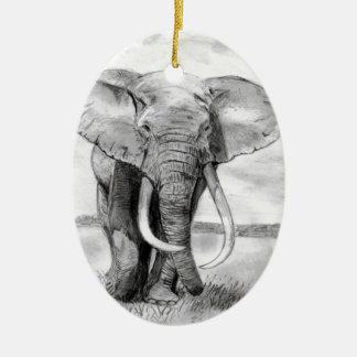 dibujo del elefante africano en diseño del lápiz adorno navideño ovalado de cerámica