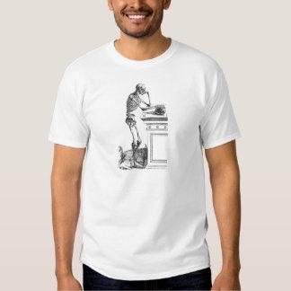 Dibujo del vintage de un esqueleto derecho playeras