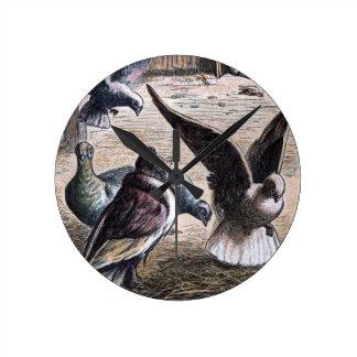 Dibujo del vintage: Portador Pidgeons Reloj Redondo Mediano