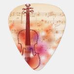 Dibujo en el fondo de la acuarela del violín plumilla de guitarra