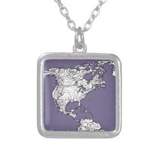 Dibujo gris de la tierra de la lila collar