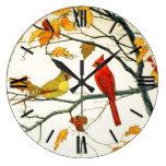 Dibujo japonés del vintage, cardenales en una rama reloj redondo grande