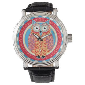 Dibujo lindo del pequeño búho de Hoo Hoo en Relojes