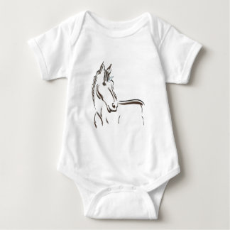 Dibujo lineal de la criatura mítica del unicornio playera