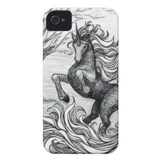 Dibujo negro y blanco del unicornio negro de los iPhone 4 carcasa