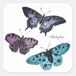 Dibujo rosado púrpura azul de la mariposa del trul calcomania cuadrada personalizada