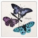 Dibujo rosado púrpura azul de la mariposa del trul reloj