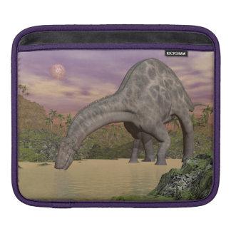 Dicraeosaurus dinosaur drinking - 3D render Sleeve For iPads