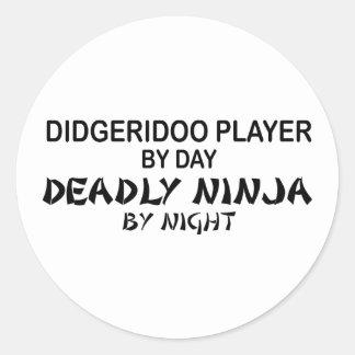 Didgeridoo Ninja mortal por noche Etiquetas Redondas