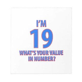 diecinueveavo diseños del cumpleaños bloc de papel
