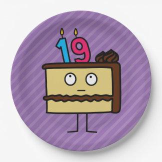 diecinueveavo Torta de cumpleaños con las velas Platos De Papel