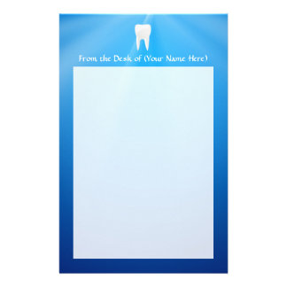 Diente blanco en fondo azul papelería de diseño
