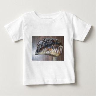 diente gigantesco impresionante playera de bebé