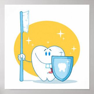 Diente sonriente feliz con el cepillo de dientes y póster