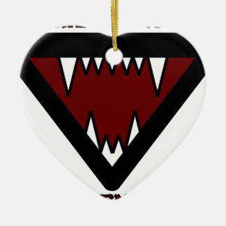 Dientes de perros que vagan adorno de cerámica en forma de corazón