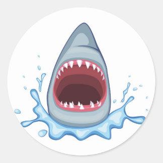 dientes del tiburón del dibujo animado pegatina redonda