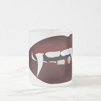 Dientes del vampiro taza de cristal