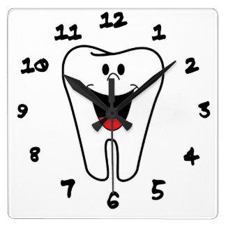 Dientes felices adaptables para su práctica dental reloj cuadrado
