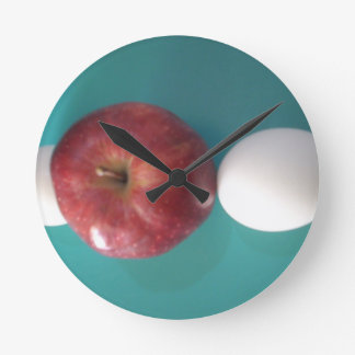 Dieting time round clock