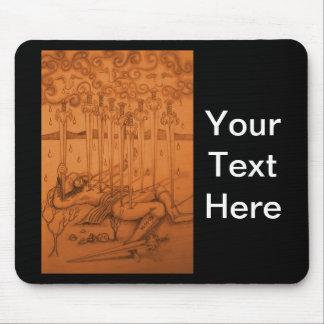 Diez de la carta de tarot de las espadas mouse pad