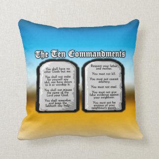 Diez mandamientos de la Sagrada Biblia, la ley de Cojín