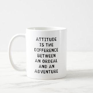 Diferencia de la actitud taza clásica