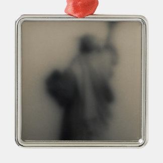 Diffused image of the Statue of Liberty Metal Ornament