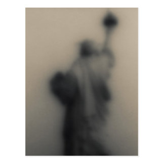 Diffused image of the Statue of Liberty Postcard