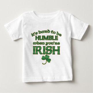 Difícilmente para ser camisetas humildes del bebé