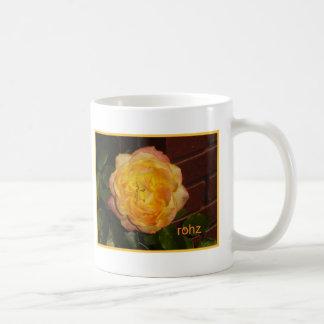 Diga color de rosa taza clásica
