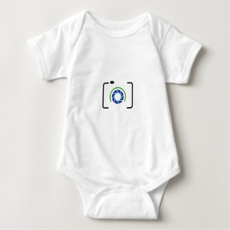 Digital camera with a round aperture baby bodysuit