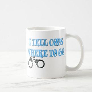 Digo a polis adónde ir (el despachador 911) tazas de café