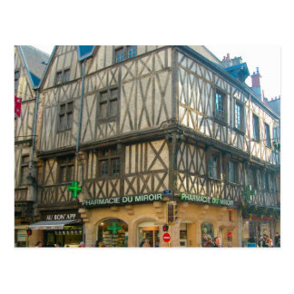 Dijon, edificio medieval usado como farmacia postales