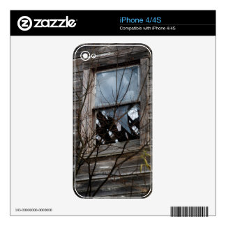 Dilapidated Old Home Decal For iPhone 4