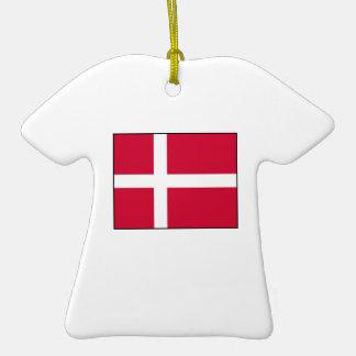 Dinamarca - bandera danesa adorno de cerámica en forma de playera