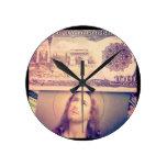 Dinero de Jesús Reloj De Pared