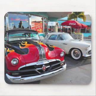 Dinning in the 50's at Mel's Diner Mouse Pads