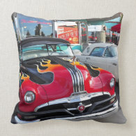 Dinning in the 50's at Mel's Diner Pillows