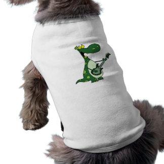 Dino verde que sostiene la guitarra gráfica playera sin mangas para perro