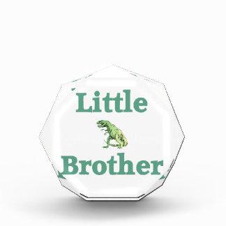 Dinosaurio de pequeño Brother T-Rex