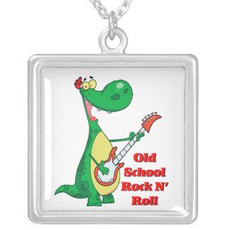 dinosaurio del rollo de la roca n de la escuela colgante cuadrado