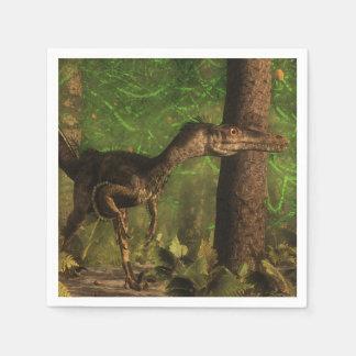 Dinosaurio del Velociraptor en el bosque Servilletas De Papel