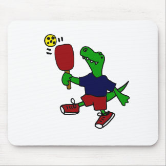 Dinosaurio divertido de T-Rex que juega Pickleball Alfombrillas De Raton