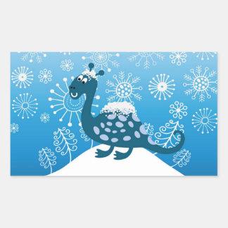 ¡Dinosaurio lindo que juega en la nieve! Pegatina Rectangular