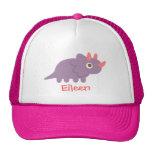Dinosaurio púrpura lindo del triceratops para gorras
